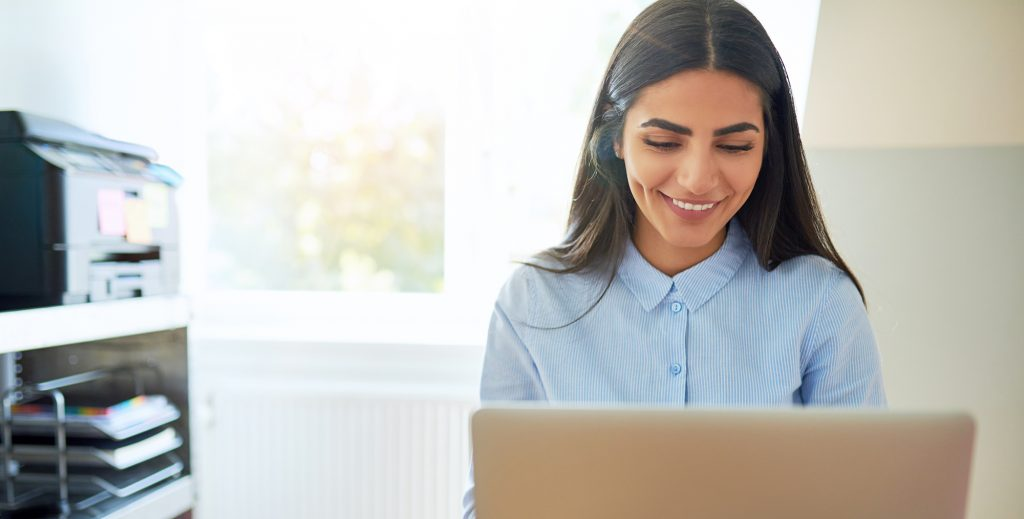 Hotel Website Writing Rules - Woman typing image